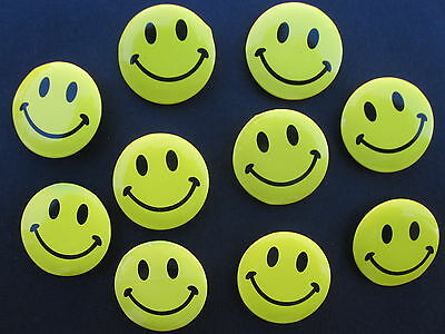 NEW 10 Smiley Happy Face Small badges Smile Face Pin Badge FREE SHIPPING