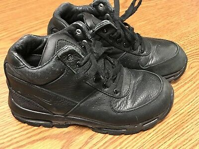 5ab3211bf00fe NIKE 311568-001 AIR Max Goadome Youth ACG Black Leather Hiking Boots Size  3Y AA