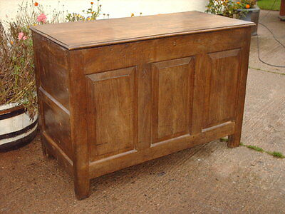 Large  Antique  Rustic  Oak  Coffer /  Chest / Bedding  Box