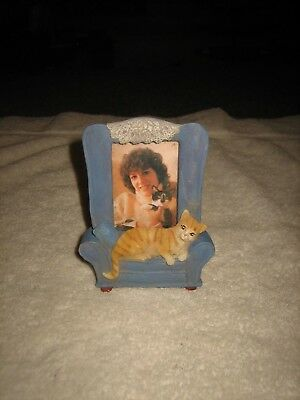 """Blue Chair With Kitty Cat Table Top Picture Frame Home Decor Holds 2"""" X 3"""" Photo"""