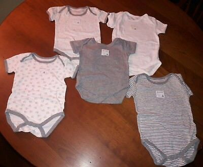 Burts Bee baby Unisex lot of 5 bodysuits pre-owned size 6-9 months white gray