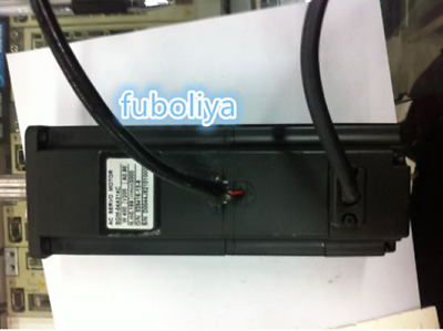 Yaskawa servo motor SGM-04A314C good in condition for industry use  @FUBOLIYA05
