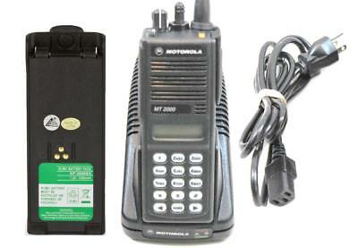 Motorola MT2000 VHF 136-178Mhz 160 Channel 4W H01KDH9AA7AN Charger & New Battery