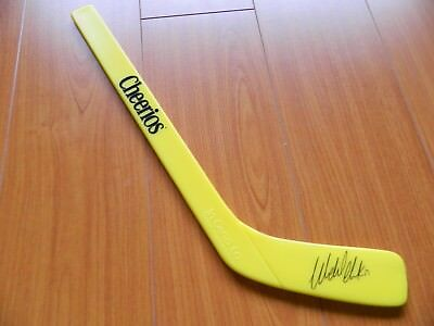 vintage WENDEL CLARK hockey stick LEAFS by CHEERIOS inglasco CANADA 'mail in'