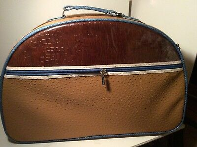Spencer and Rutherford luggage traditional style Caribbean Blue vegan friendly