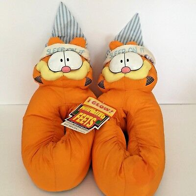 0e6458173c0 VINTAGE GARFIELD SLIPPERS House Shoes Adult Size large Orange 1980 ...