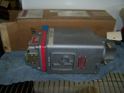 New Pl-30-Dnc-264S-1 Line Power 300A 995V Electrical Cable Coupler