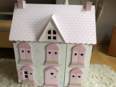 Early Learning Centre Rosebud Cottage Dolls House (+ Furniture, Dolls,  Vehicles)