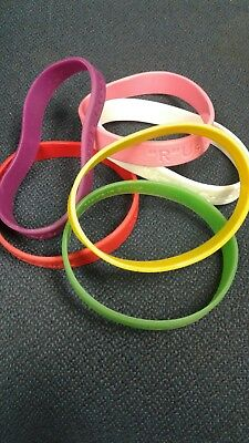 toys r us employee rubber wristbands rare and tons of colors!