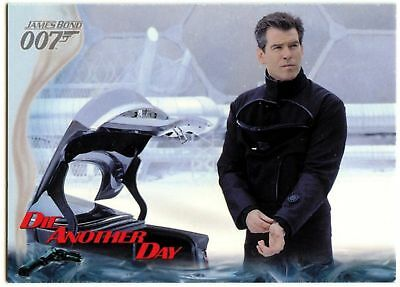 007's Weapons #45 Die Another Day 2002 James Bond 007 Trade Card (C1159)