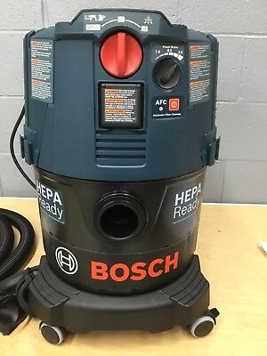 Bosch  Dust Extractor w/ Auto Filter Clean & HEPA 9-Gallon Filter Demo