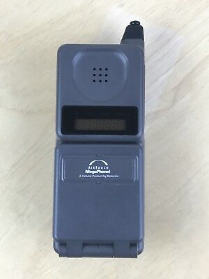 Motorola Vintage Flip Cell Phone W/ Extra Battery And Charging Base