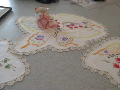 Vintage Retro Hand Embroidered 3 Piece Duchess Set. Butterfly Heaven.Great Shape