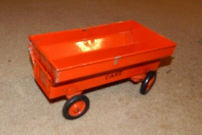 Case 1/16 wagon Carter Tru Scale Eska used working tailgate 1960s farm toy