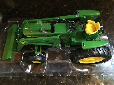 Ertl - John Deere Precision Key Series #3 - 3020 Tractor With 48 Loader