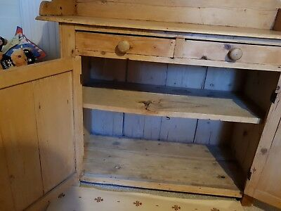 lovely pine Victorian washstand....