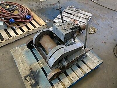 14hp Briggs & Stratton Gas Powered Portable Tugger Winch