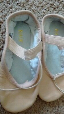 Girl's size 9D NWOT Bloch  Pink Leather Ballet Slippers!