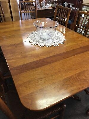 Stickley Cherry Table /w 8 Chairs