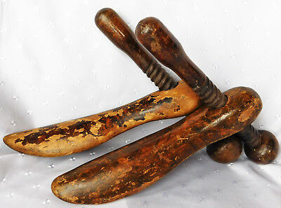 Antique shoe trees Watts's patent wooden screw shaper stretchers Odd pair treen