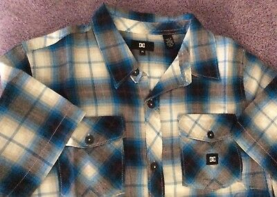 $38 DC BOYS SHIRT SLEEVE BUTTON UP SHIRT JOCKO BLUE PLAID L YOUTH SIZE M