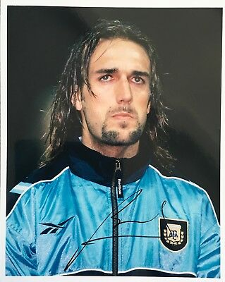 Gabriel Batistuta signed 10x8 photo UACC AFTAL RACC Trusted dealer Image A