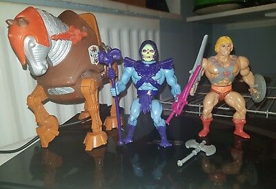 Masters of the universe figures; He-man, skeletor and stridor