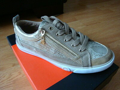 NIB New Women Guess Ombree sneakers Gold Size 9