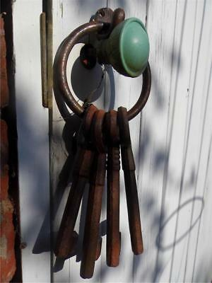Large Bunch Rusty Old Vintage Keys On Key Ring With Hanging Hook Home & Garden