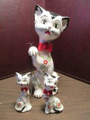 Vintage Ceramic Figurine Mother Cat & Kittens - Chained Trio - Floral Decoration
