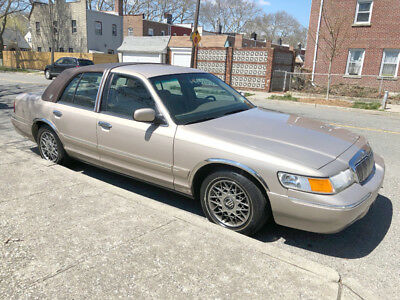 1998 Mercury Grand Marquis Signature Series 23,000 miles! NO RESERVE! ONE OWNER, only 23,000 low miles, clean carfax, leather, power seat!