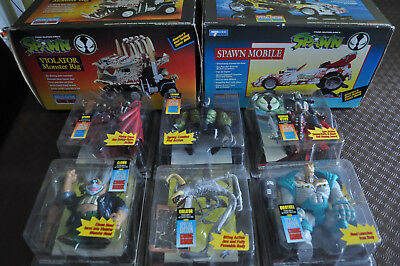 McFarlane Spawn figures Series 1 from 1994 - 6 figures - 2 vehicles