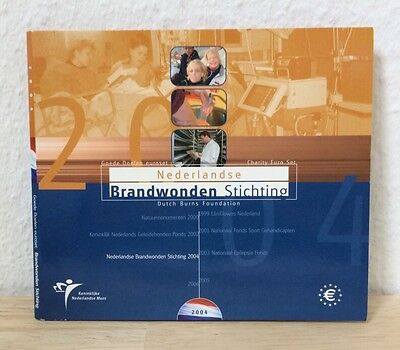 Charity Euro Set Beatrix Brandwonden Stichting Niederlande 2004 KMS #K810