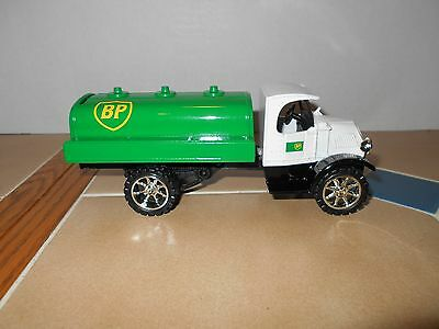 BP gas 1935 Mack tanker 1:38 scale MINT stock # GJ3014