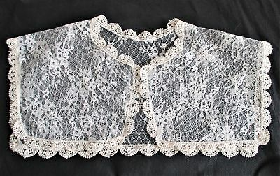 Beautiful VINTAGE Ivory Machine LACE SQUARE COLLAR Excellent