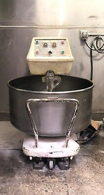 European Spiral Dough Mixer 250 qt. w/ 3 removable bowls