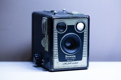 Brownie Model D Vintage Camera - Second Hand - Fair Condition