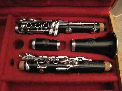 1016 Excellent Leblanc Classic II Bb Clarinet. (Professionally Restored)