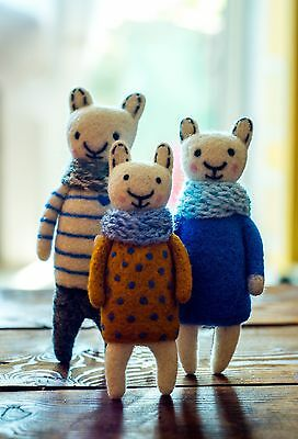Cat family Needle felted Wool cat  miniature animals Merino wool soft sculpture