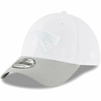 477899b0cc684b New England Patriots New Era Tone Tech Redux 2 39THIRTY Flex Hat -  White/Gray