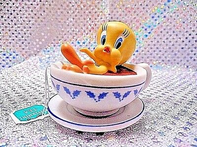 "2001 Hallmark ""holiday Spa"" Tweety Bird Ornament"" 912C"