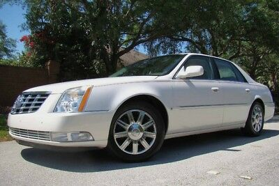 2006 Cadillac DTS  2006 CADILLAC DTS LEVEL 2! ONLY 63K LOW MILES! WHITE LIGHTNING! 2 OWNERS! FL!