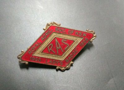 1955 1956 Royal Agricultural Society Nsw Red Enamel Badge