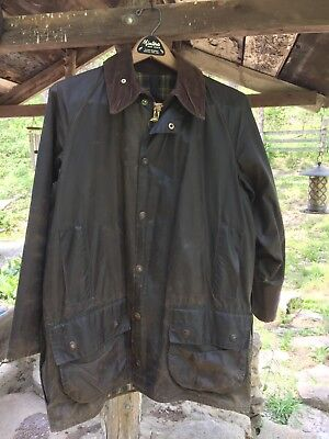 Men's Barbour Classic Beaufort Waxed Jacket Size 38-Med. Olive