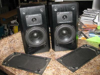 Pair of 2 Vintage BIC / B.I.C. Bookshelf Speakers Model DV52SI