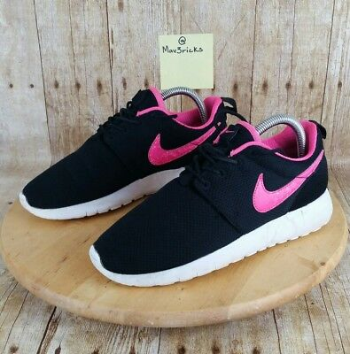 2074c4345af8 NIKE ROSHE ONE (GS) Girls Youth Size 5.5Y Black Pink (Women s Size 7 ...