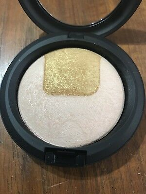 MAC Cosmetics Mineralize Skinfinish Centre of Attention
