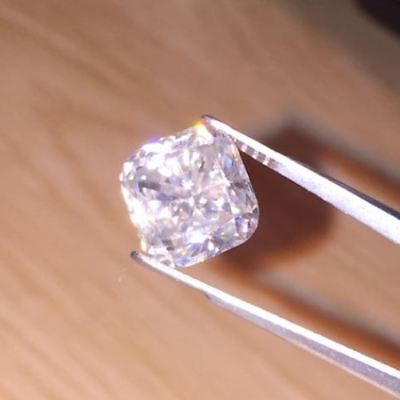 2.11 CT RADIANT MOISSANITE COLORLES WHITE (I) LOOSE 7.70 mm. SUPERIOR TO DIAMOND