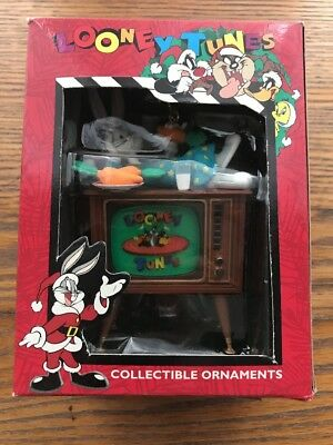 LOONEY TUNES COLLECTIBLE ORNAMENTS BUGS BUNNY dated 1996