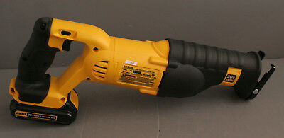 Dewalt DCS380 20V Variable Speed Reciprocating Saw with Battery (21827)